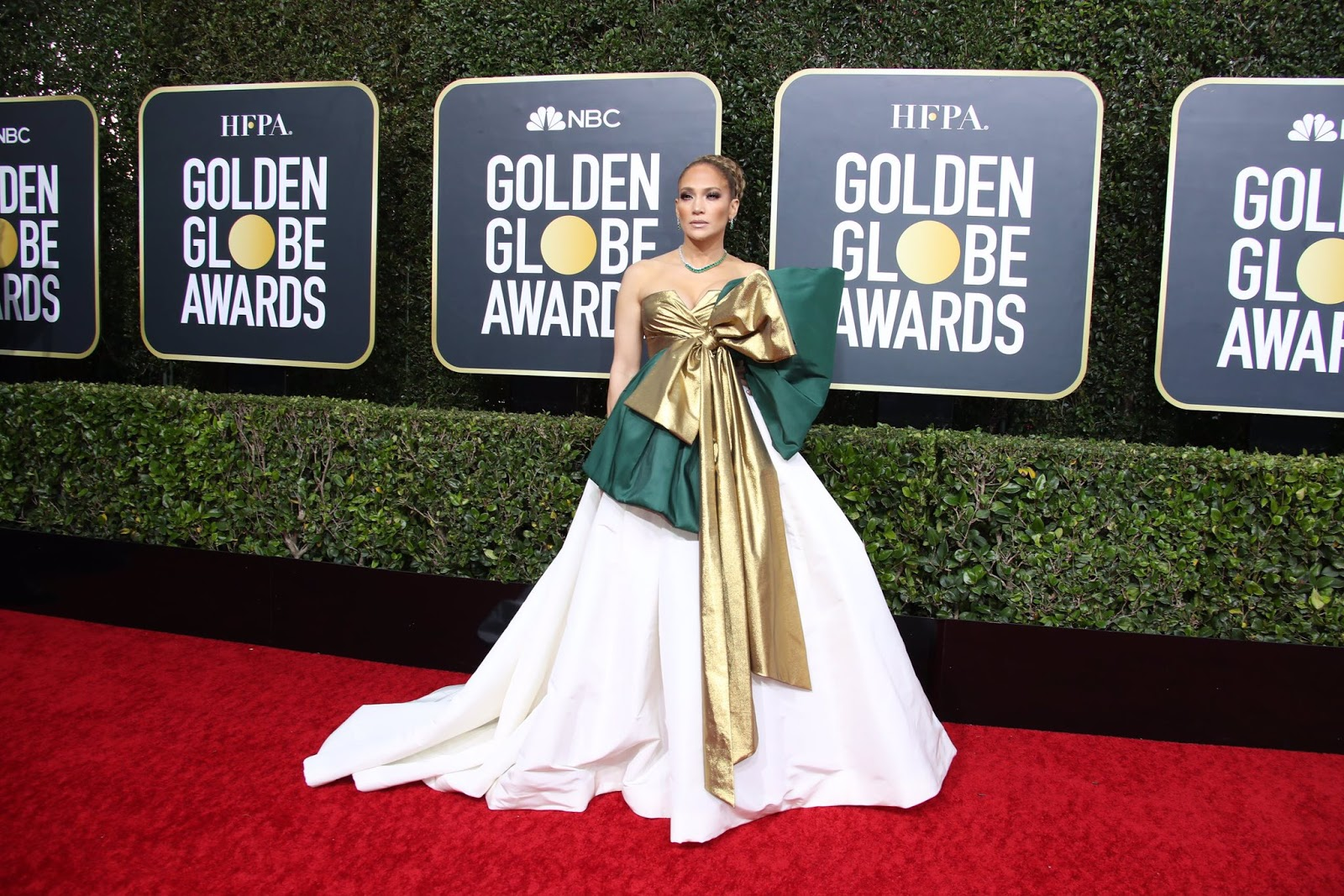 Jennifer Lopez Went All Out in a Giant Bow Dress at the 2020 Golden Globes