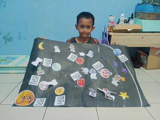 Karton planet Mochi