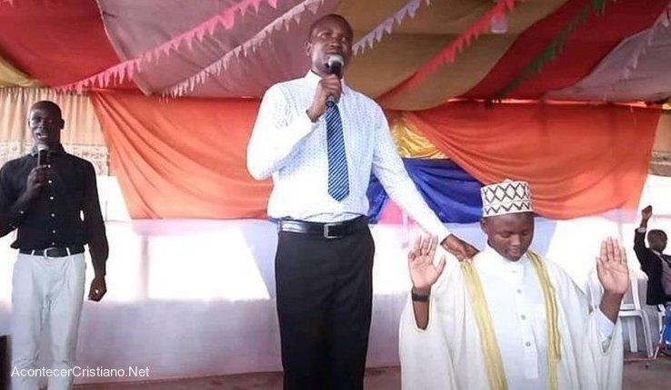 Predicando en Uganda
