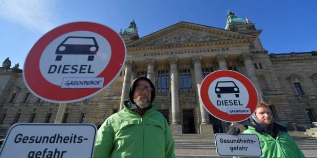 Contra la contaminación, la eurocomisaria de Transporte propone peajes urbanos