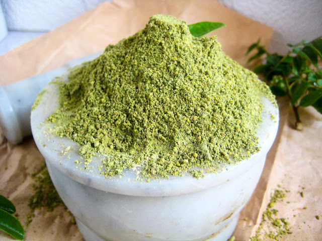 homemade curry leaf powder