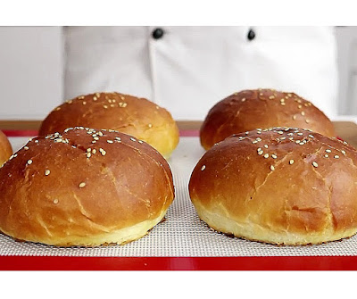 Homemade burger buns recipe