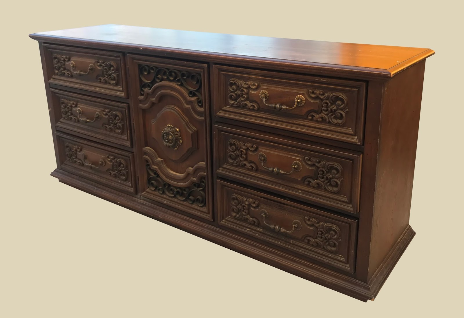 Uhuru Furniture U0026 Collectibles