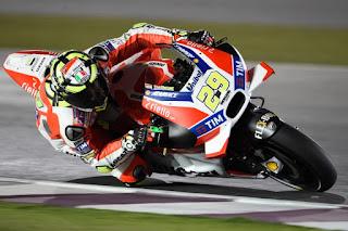 MotoGP Le Mans 2016: Iannone Tercepat FP3, Rossi ke-7