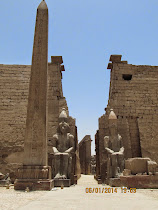 Twin statues of Rameses II, Obelisk and First Pylon of Temple of Luxor (Luxor, Egypt)
