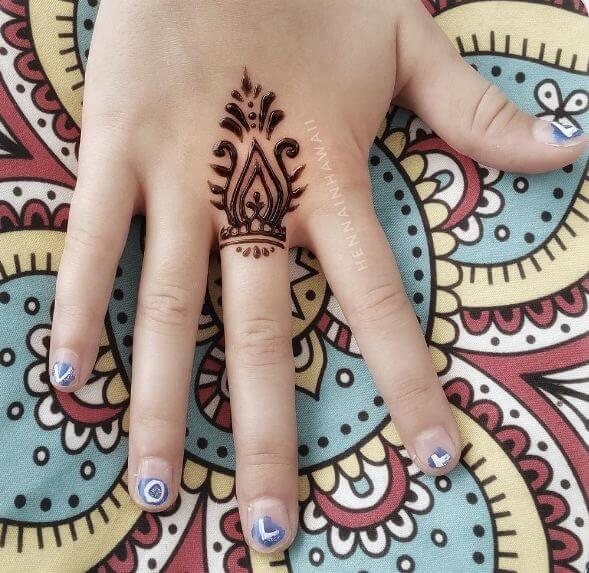 Tiny Henna Tattoos