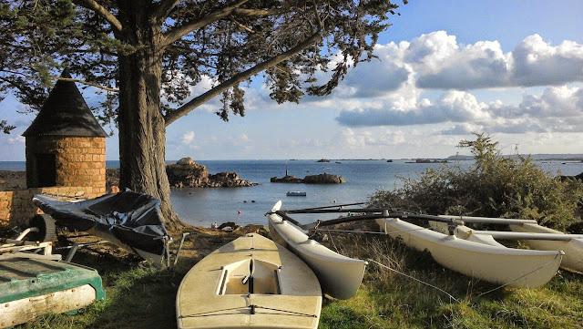 joli paysage sur l'île de Bréhat dans les côtes d'Armor