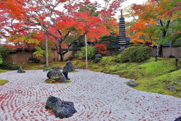 วัดเอนสึอิน (Entsuin Temple: 円通院) @ www.tohokukanko.jp