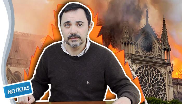 Notre-Dame ardeu...