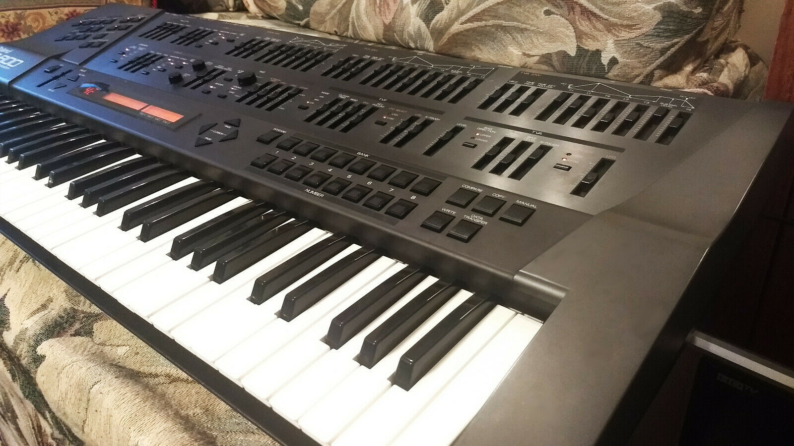 matrixsynth roland jd 800 keyboard synthesizer sn zc55195. Black Bedroom Furniture Sets. Home Design Ideas