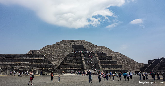 Pirâmide da Lua em Teotihuacan, México