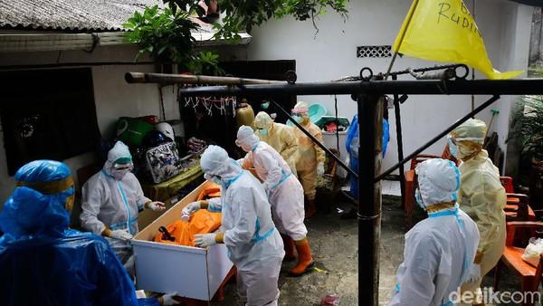 Menyesak Kabar Duka Pasien Corona Wafat saat Isoman Makin Banyak