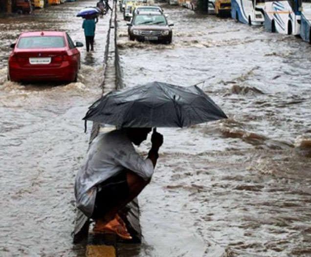 इंदौर और भोपाल में बारिश ने तोड़ा रिकॉर्ड, नर्मदा नदी उफान पर, सड़कें-बस्तियां बने समंदर