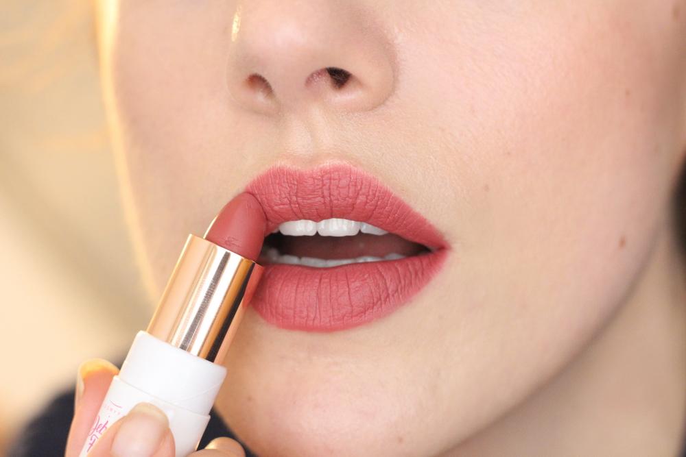 Comsyfy 13 lipstick