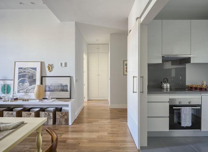 Un interiorismo perfecto en un piso piloto ministry of - Salon sin puerta ...