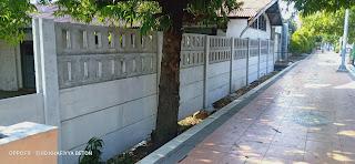 pagar panel beton motif lobang