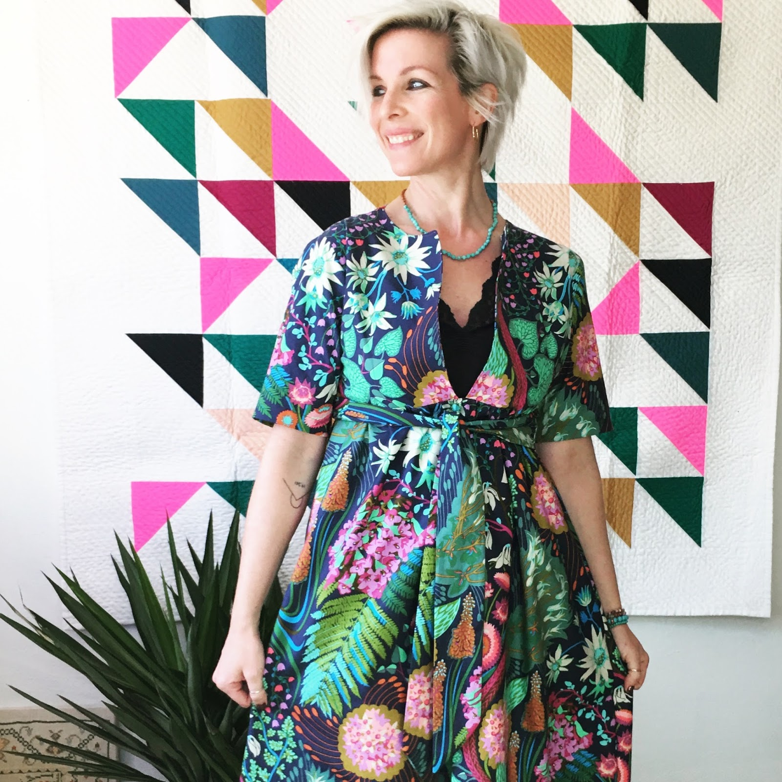 Hungryhippie sews sewing the schoolhouse tunic and dress i often wear silk slips under my dresses i feel fancy that way here is a tutorial on how to make one yourself or buy them ready to go here jeuxipadfo Images