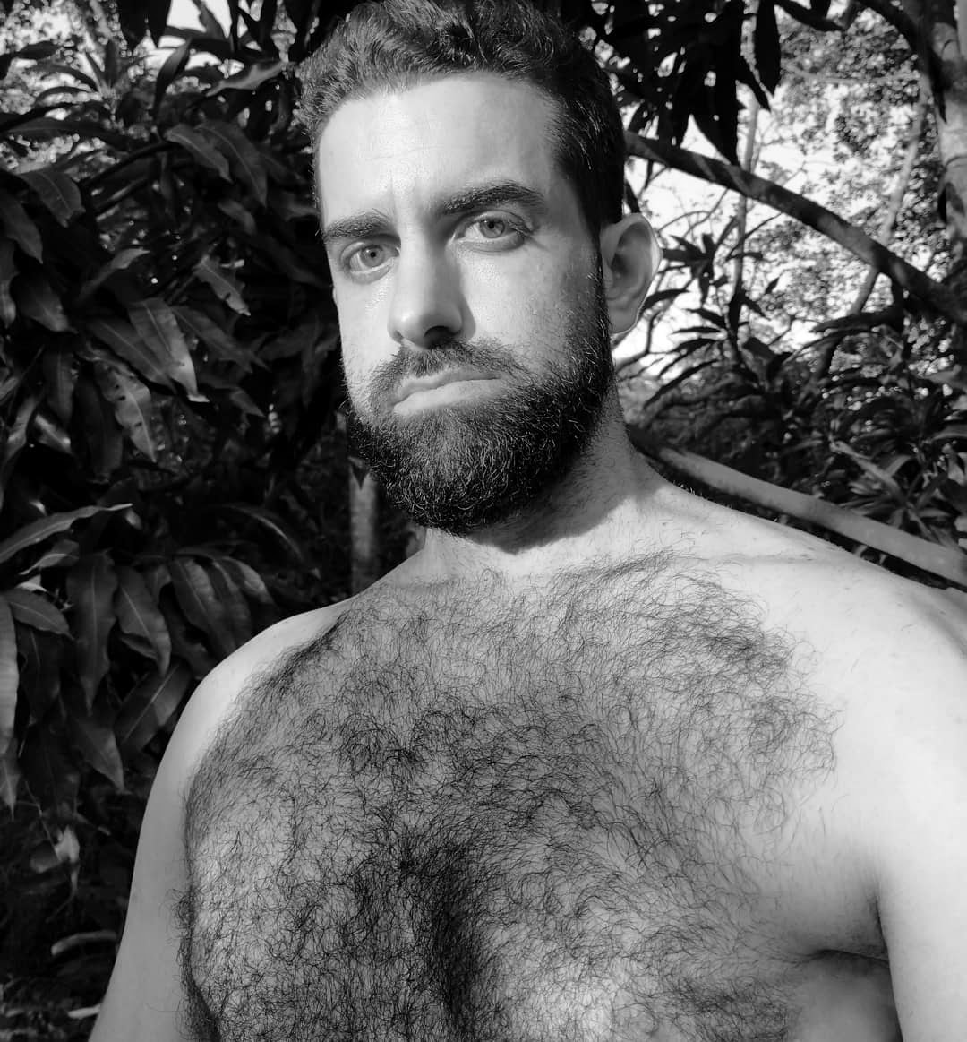HairY or NoT! That is the QuestioN!, by Felipe Macedo.