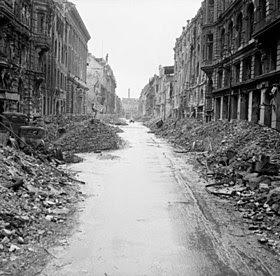 Segunda Guerra Mundial, Bombardeio em Berlim, BlitzKrieg, Nazismo, Luftwaffe, Winston Churchil, RAF, Royal Air Force,