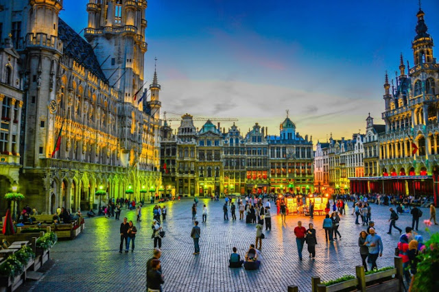 Grand Place à noite em Bruxelas