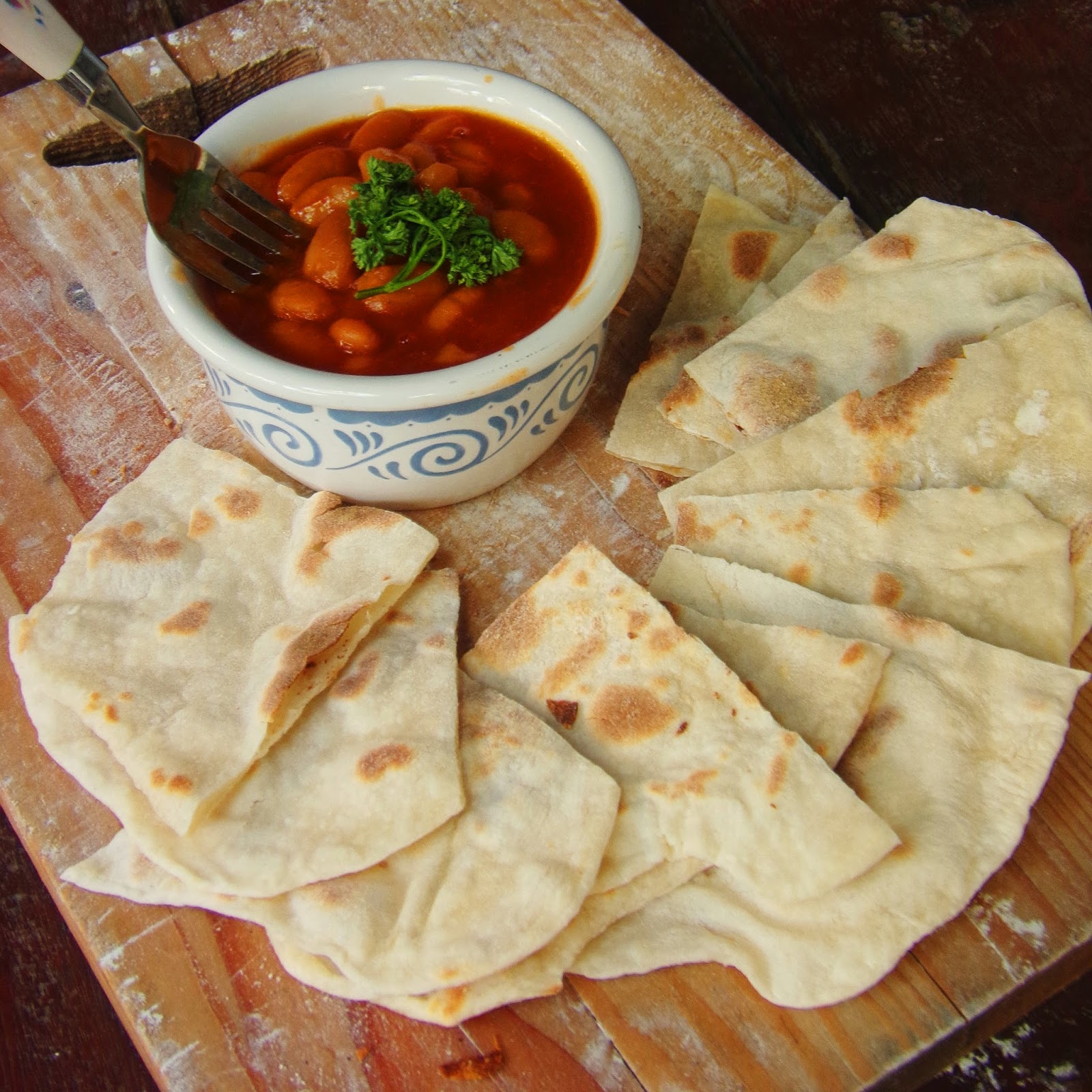 pork and beans recipe, pork n beans, pork beans, pork & beans, how to make pork and beans, how to make flat bread