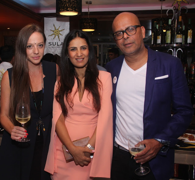 Cecilia Oldne, VP Marketing and Global Brand Ambassador, Sula Vineyards with Celebrity Fashion Designer Narendra Kumar and a friend at Sula Selections 'Globe in a Glass' Roadshow 2016