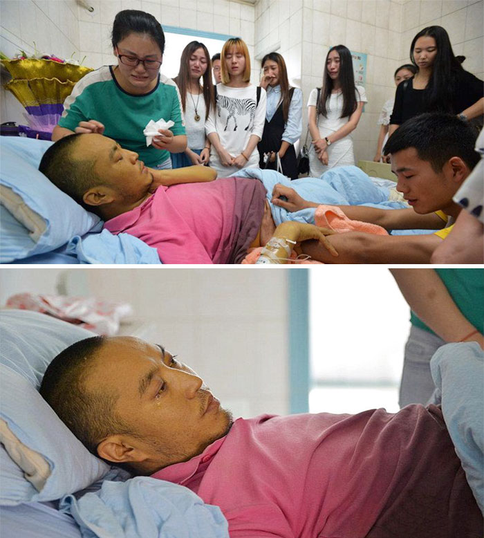 36 People's Heart-Breaking Last Wishes - Devoted Music Teacher Gives Last Lesson From A Hospital Bed As His Dying Wish To Pass On His Experience To His Students