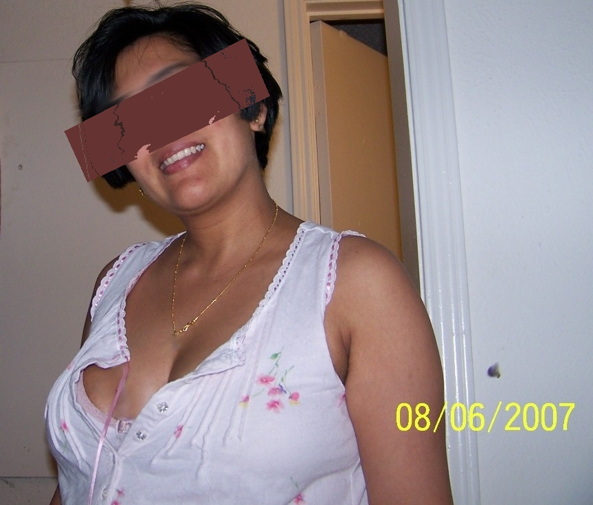 Hot aunty in bra and panty
