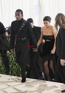 Miley Cyrus and Kylie Jenner at 2018 MET Gala Stunnign Divas ~ Exclusive 003