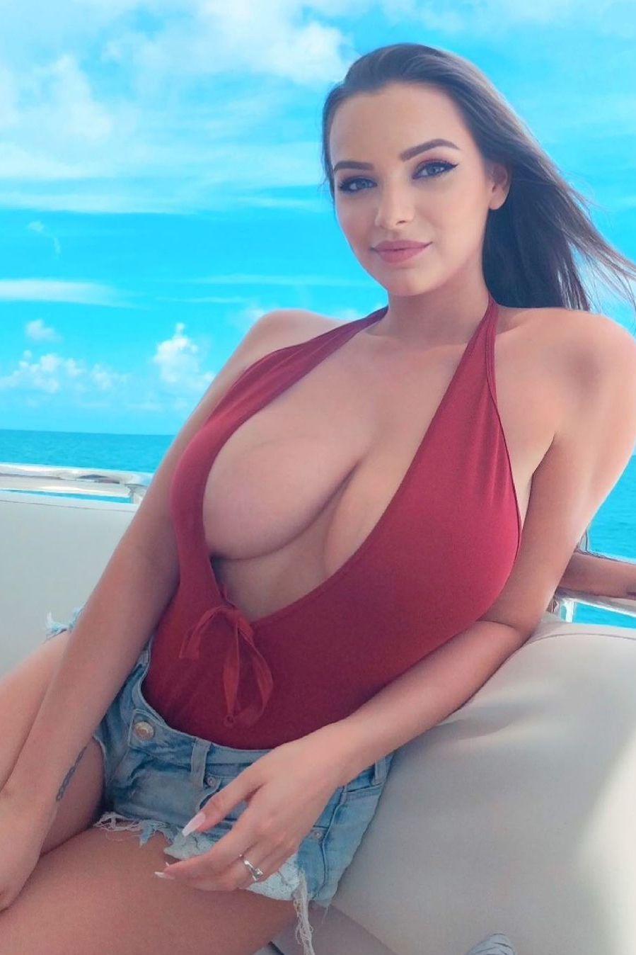 Tits sexy model big Big tits: