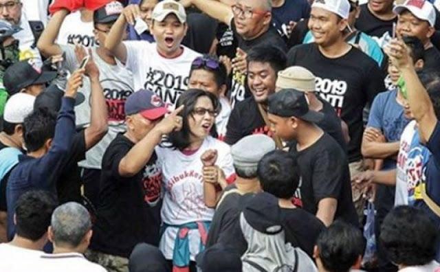 Katanya Insiden di CFD Konspirasi Untuk Hancurkan Lawan Politik Jokowi, Tapi Kok Kader PKS Inisiator #2019GantiPresiden Ini Minta Maaf....