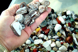 """Mengoleksi Batu: Hobi yang """"Sulit"""" Ditolak"""