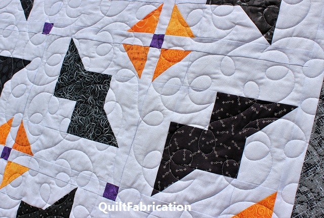 loops and hooks quilting on the Just Batty quilt