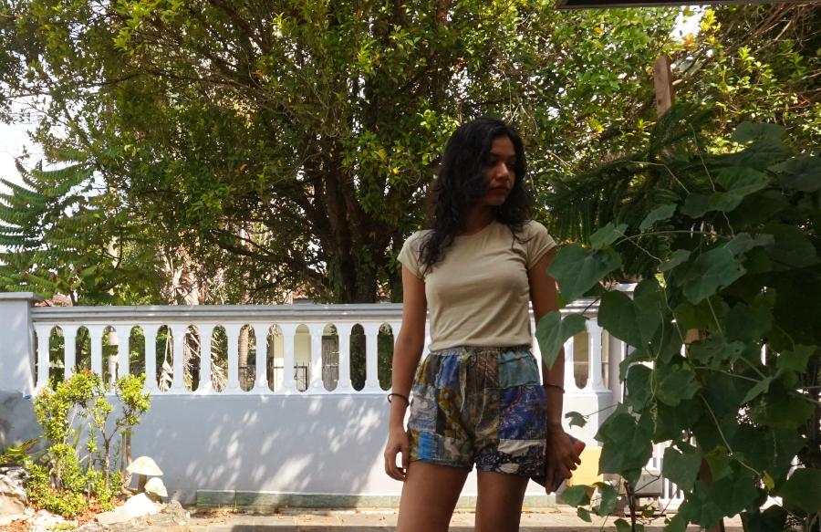 Breathable batik shorts with pockets say hi...