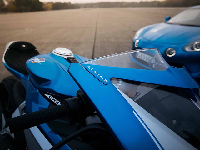 MV Agusta  Unveils- The Superveloce Alpine Limited Edition