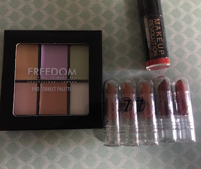paleta freedom, labiales w7, labial revolution makeup