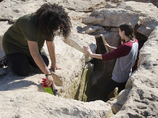 Students unearth a 2000 year old Jewish settlement near Bet Shemesh