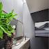 Lavabo contemporâneo com bancada e cuba esculpida em mármore Travertino Silver + domus!