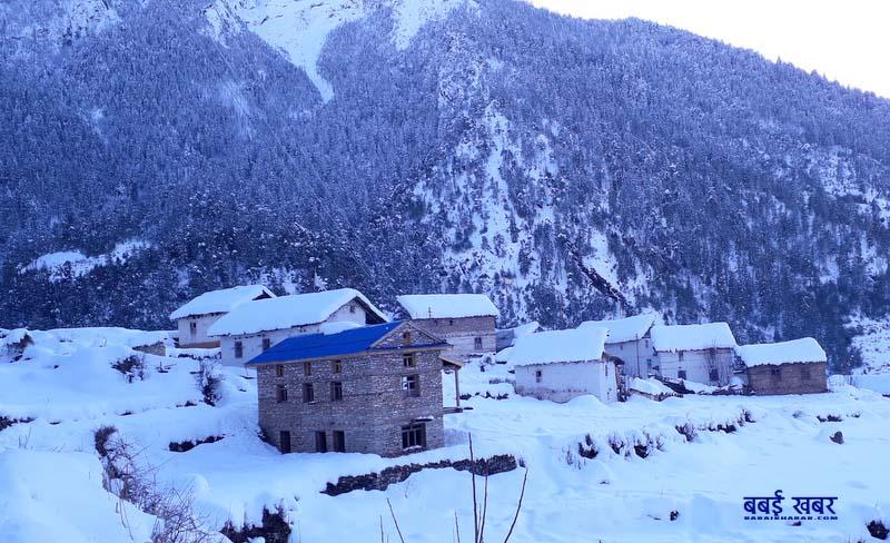 डोल्पाका गाउँ हिमपातले सेताम्य (फोटो फिचर)