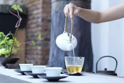 الشاي الاصفر للتخسيس ! فوائد واضرار وطريقة التحضير