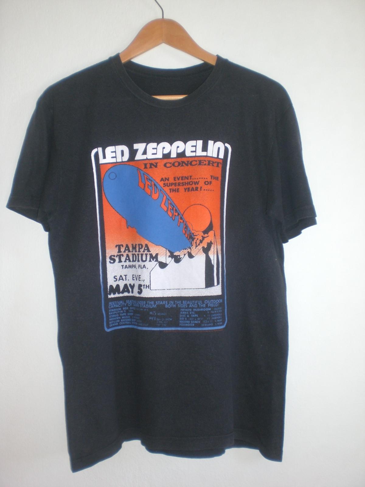 937f62aa5 La Tica Brechó  Camiseta Led Zeppelin - VENDIDA