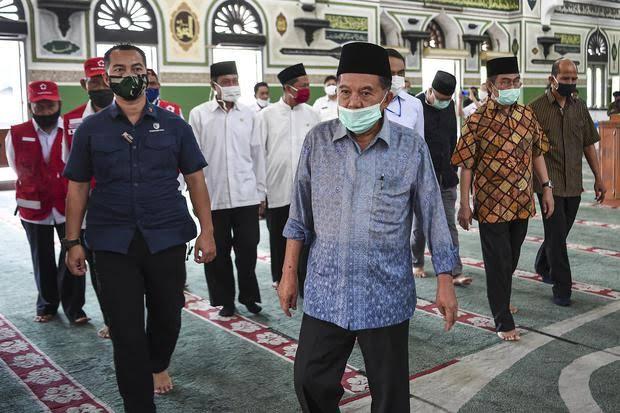 Pengamat: Wajar JK Sindir Jokowi yang Lebih Dahulukan Mall ketimbang Masjid