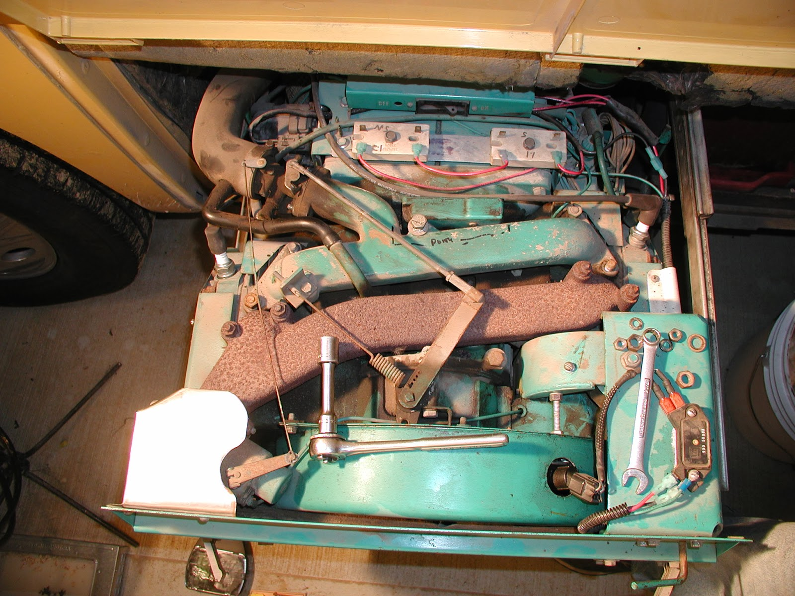 Wally&Sue: Skid steer on its side, Onan gets a modification