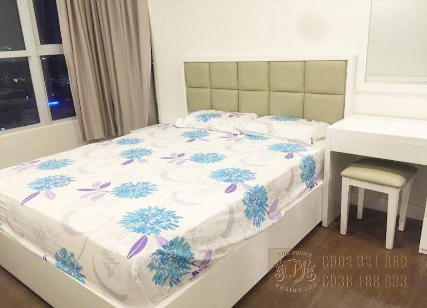 Cho thuê căn hộ The Prince 3 phòng ngủ nội thất cơ bản
