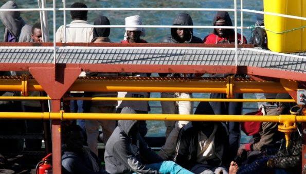 Ejército de Malta recupera barco secuestrado por migrantes