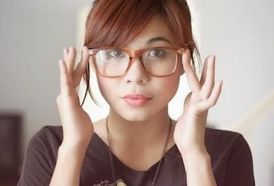 model kacamata minus untuk wajah bulat wanita