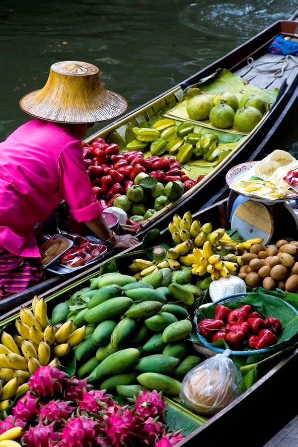 Floating market for my nutrition goodies...