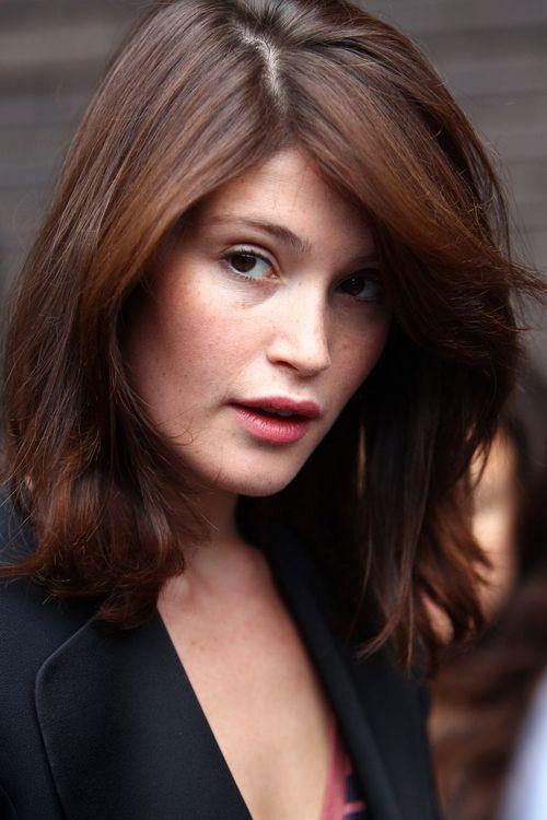 Gemma Arterton Trendy Hairstyles Photos Celebrity Style