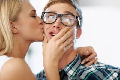 """""""التقبيل"""" ما لا نعرف عن هذا الفعل الذي يفعله كل المخلوقات على الأرض"""