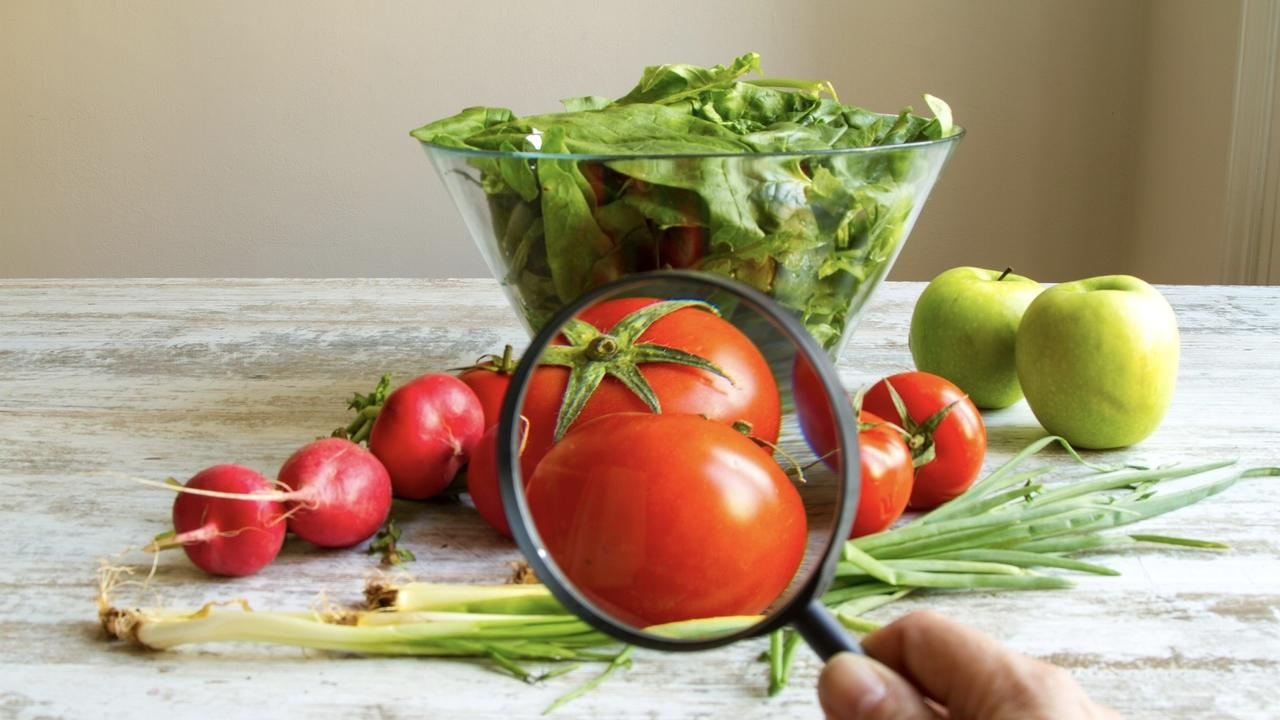 How to protect yourself from the damage of food contamination?